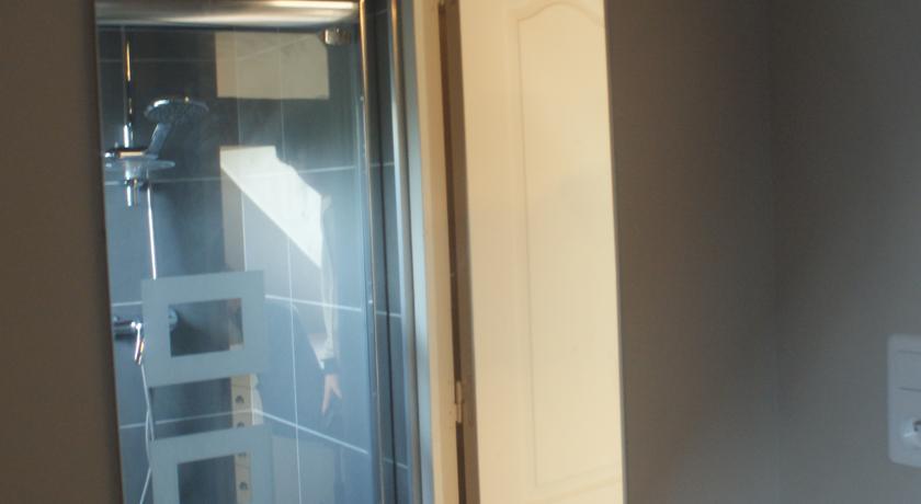 Douche de la chambre standard